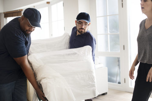 how far in advance to book a moving company